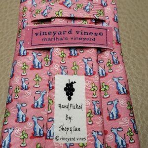 Vineyard Vines Hand Picked Dog 100% silk tie